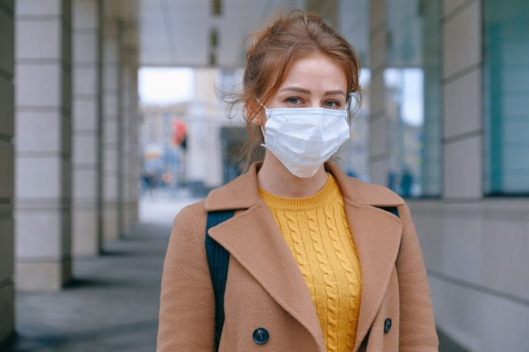 Maskne: How the Face Mask Can Affect Your Skin